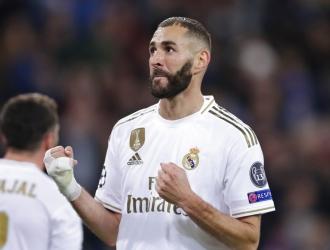 Benzema se convirtió en el tercer máximo goleador del Madrid / Foto: AP