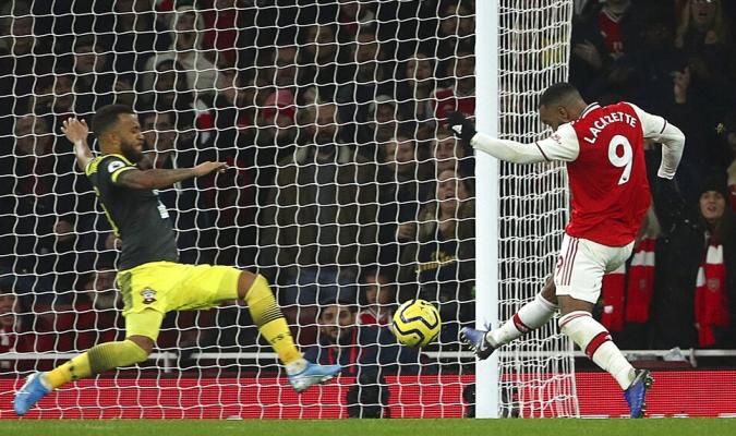 Lacazette anotó el gol del empate en el Emirates / Foto: AP