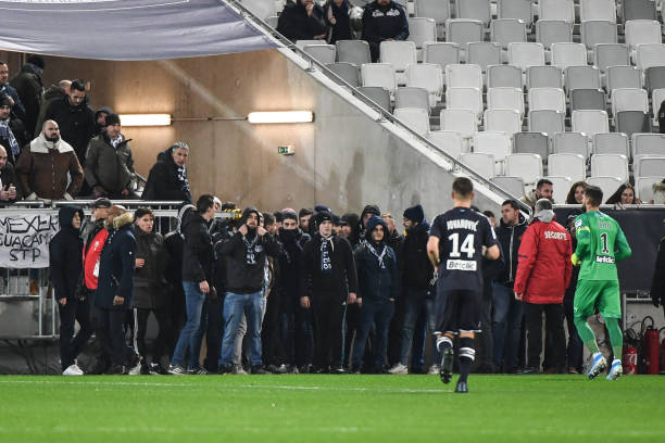 El partido se detuvo 25 minutos / Foto: Cortesía