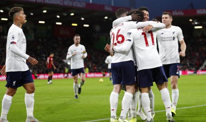 Liverpool tiene 11 puntos de ventaja sobre el Liverpool / Foto: AP