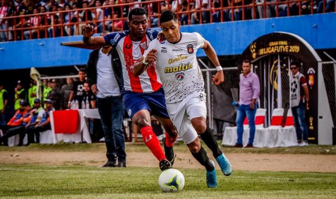Caracas y Mérida en final de la Futve   Foto: Prensa Caracas FC