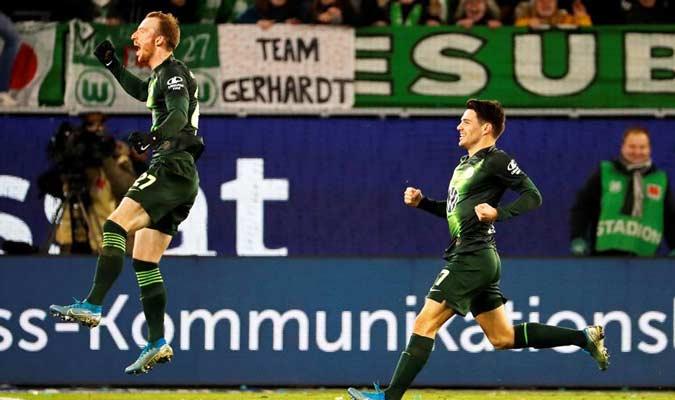 Arnold celebró su importante gol / Foto: EFE