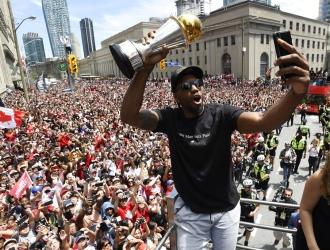 Leonard conquistó el título de la NBA en 2019 / Foto: AP