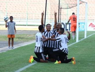 Foto: cortesía / Petroleros de Anzoátegui celebrando gol