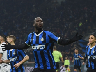 Romelu Lukaku celebra gol en Copa Italia