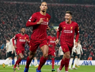 El defensor anotó uno de los goles del Liverpool/ Foto AP
