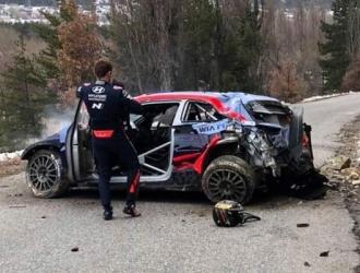 El estonio y su copiloto fueron trasladados a un hospital / Foto: Cortesía