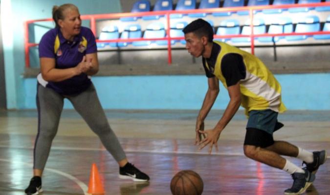 Carrasquero tiene amplia experiencia en el baloncesto marabino / Foto: Cortesía Brillantes