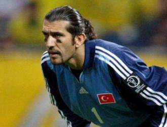 El turco jugó en el Barcelona de 2004 a 2006/ Foto Cortesía