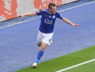 Vardy llegó a los 101 goles en Premier/ Foto AP
