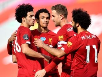 El equipo celebra el gol de Jones/ Foto AP