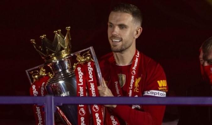 Henderson es el capitán del campeón de la Premier League / foto cortesía