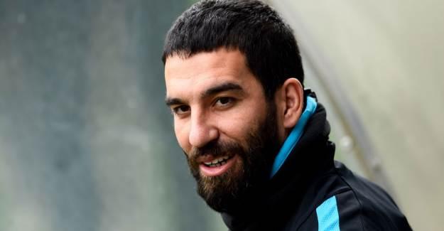 Arda Turan abandona la disciplina del Istanbul BB para reincorporarse al que fue su club desde el 20