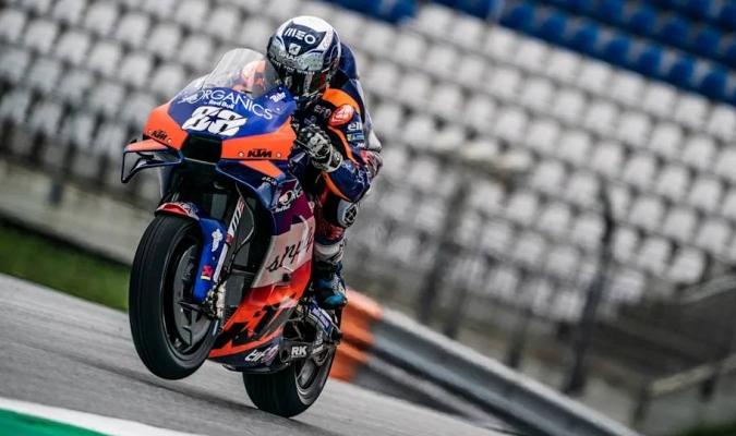 Consiguió para Portugal la primera victoria en la categoría reina del mundial de motociclismo