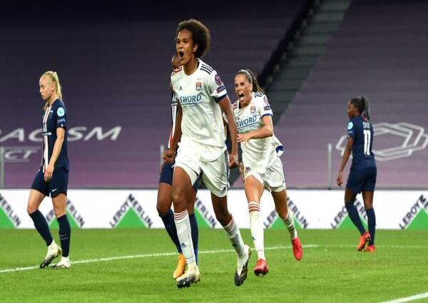 Lyon superó 1-0 al PSG