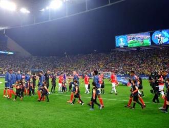 Infantino aseguró que las selecciones podrán contar con los jugadores que estén en Europa /Foto c