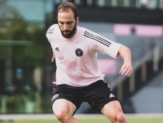 En marzo de 2019 anunció su retirada de la selección de Argentina