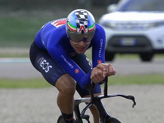 Venció al belga Wout van Aert por 26,72 segundos /Foto cortesía