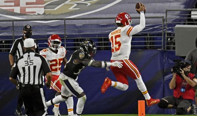 Chiefs le quitan el invicto a los Ravens 7 foto cortesía
