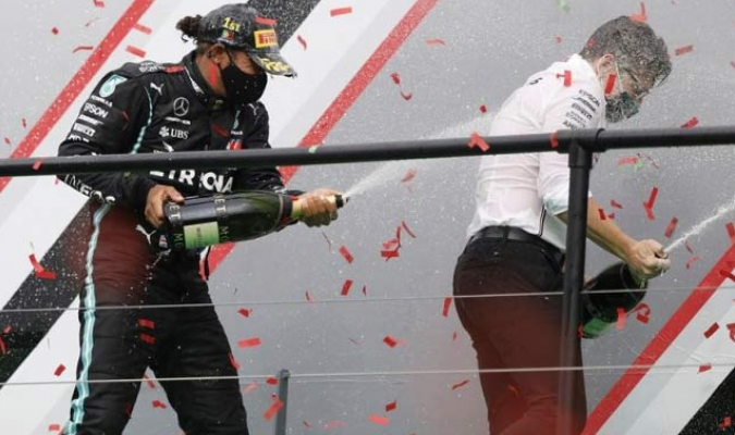 Llegó a 92 triunfos en la categoría reina del automovilismo   EFE