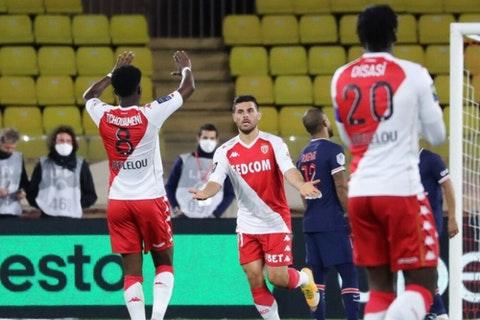 Por su parte, Mbappé anotó un doblete para el PSG