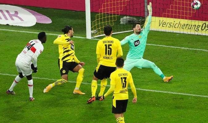El Dortmund queda tras la derrota en el quinto lugar