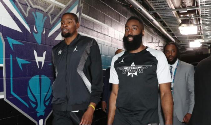 Durant y Harden se reencuentran vistiendola misma camiseta luego de casi diez años / foto cortesía
