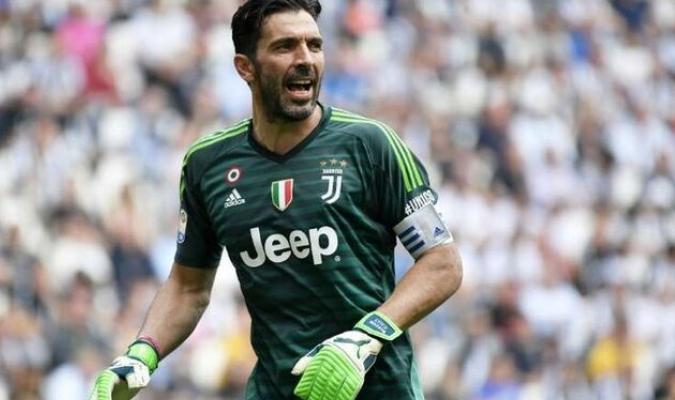 Defendió la portería del Juventus en el cruce liguero contra el Parma
