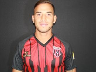El futbolista se ubica por el costado izquierdo| Prensa Portuguesa F.C.