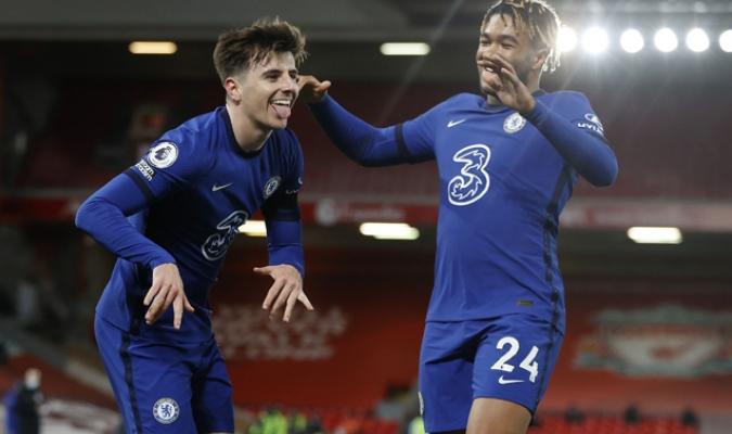 El extremo inglés dio la campanada en Anfield| AP