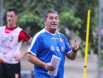 Peseiro mostró preocupado por el atraso en el inicio del fútbol local/Foto cortesía