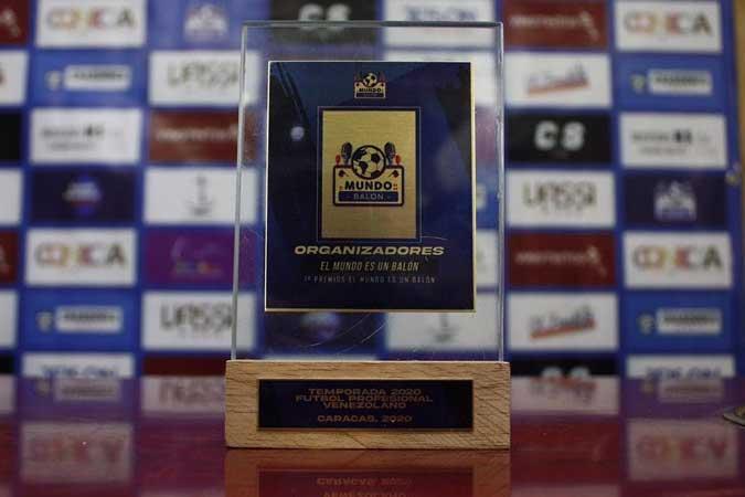 Este fue el galardón que se llevaron los ganadores || Foto: Cortesía