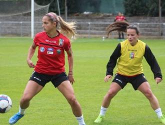 Disputó su primer balón del entrenamiento con Deyna Castellanos| Prensa FVF