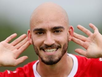 El zaguero se estrenó como goleador en Portugal  Nuno Gomes