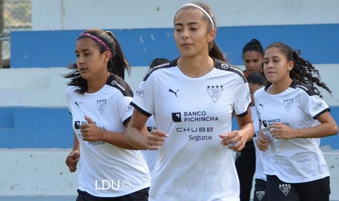 LDU Quito tendrá a tres criollas en su plantel| @GuerrerasLDU