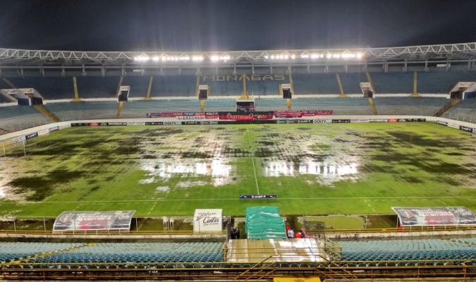 El terreno de juego se hizo difícil para jugar al fútbol  Prensa Monagas S.C.