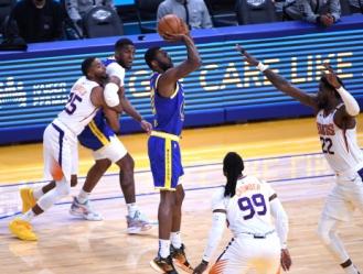 La victoria, la cuarta consecutiva, permite a los Warriors (37-33) consolidarse en el octavo puesto