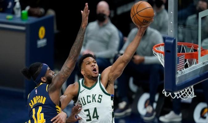 Los Bucks (45-25) se movieron a un juego de los Brooklyn Nets (46-24) / foto cortesía
