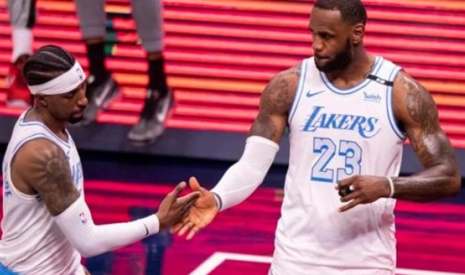 LeBron James volvió este sábado a la competición tras perderse seis partidos