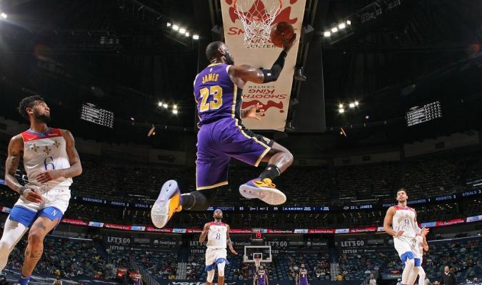Los Lakers jugarán en su campo del Staples Center contra los Golden State Warriors / foto cortesía