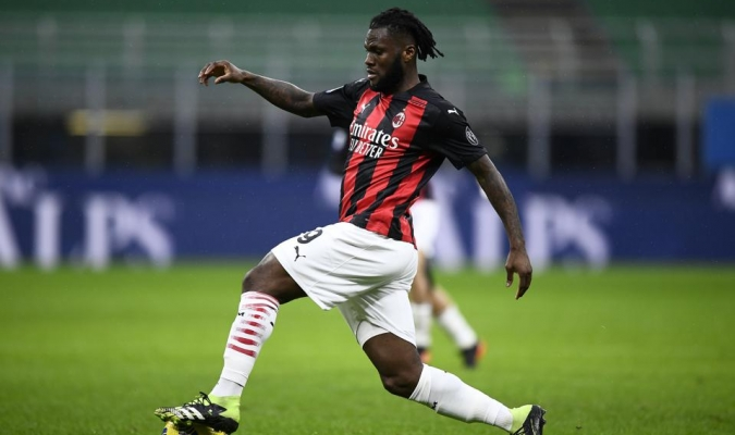 Franck Kessie anotó los dos goles que le dieron la victoria al AC Milan / AP