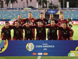 Dos variantes realizó Peseiro  @CONMEBOL