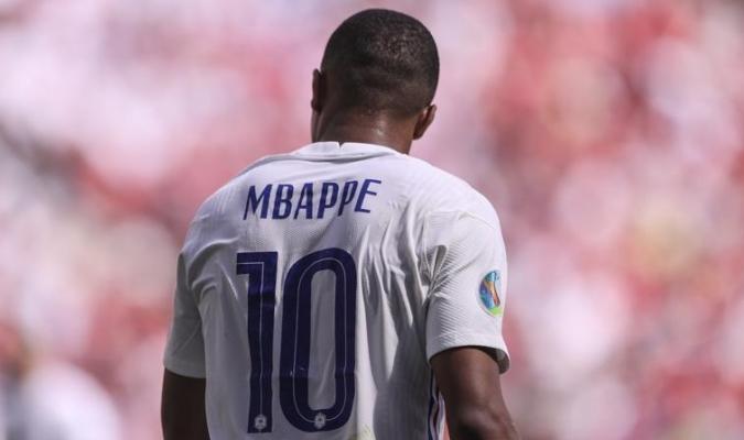 Francia va a los octavos de final| AP