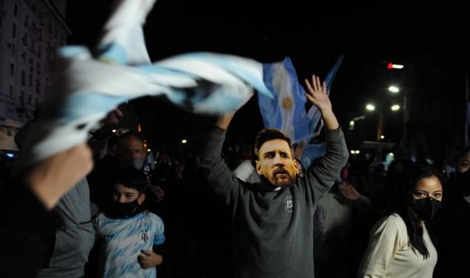 La afición argentina desbordó los principales puntos de la capital de esta nación | Clarín