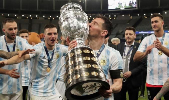 Los diarios argentinos tienen a Messi y Argentina en sus portadas / Foto cortesía