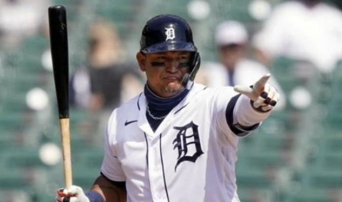Cabrera sigue a la caza de nuevos registros