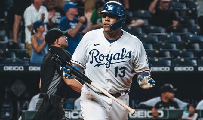 Ningún catcher ha bateado más jonrones que él esta temporada   Instagram: kcroyals