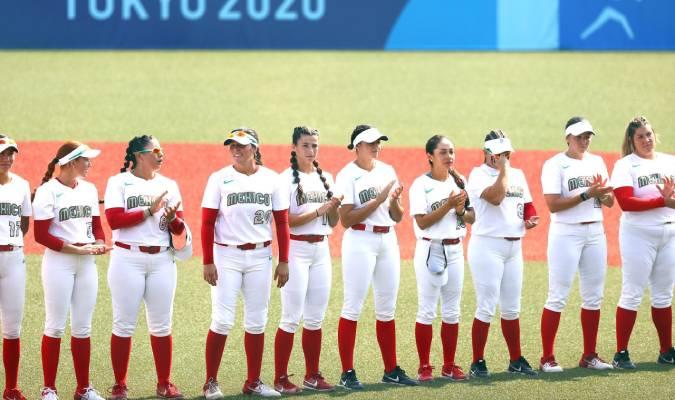 Las jugadoras botaron los uniformes antes de abandonar Tokio