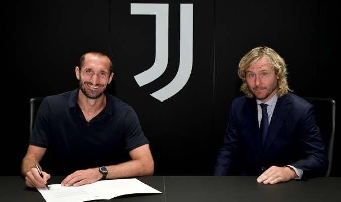El pasado 29 de julio el propio Chiellini confirmó que iba a seguir jugando en el Juventus
