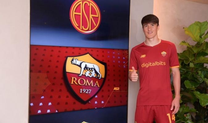 Shomurodov, que llevará el dorsal 14, jugó 32 partidos la temporada pasada con el Génova / foto c